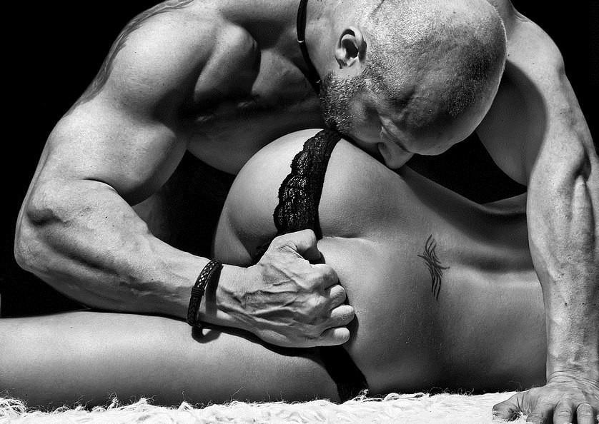 seks-za-reshetkoy-erotika