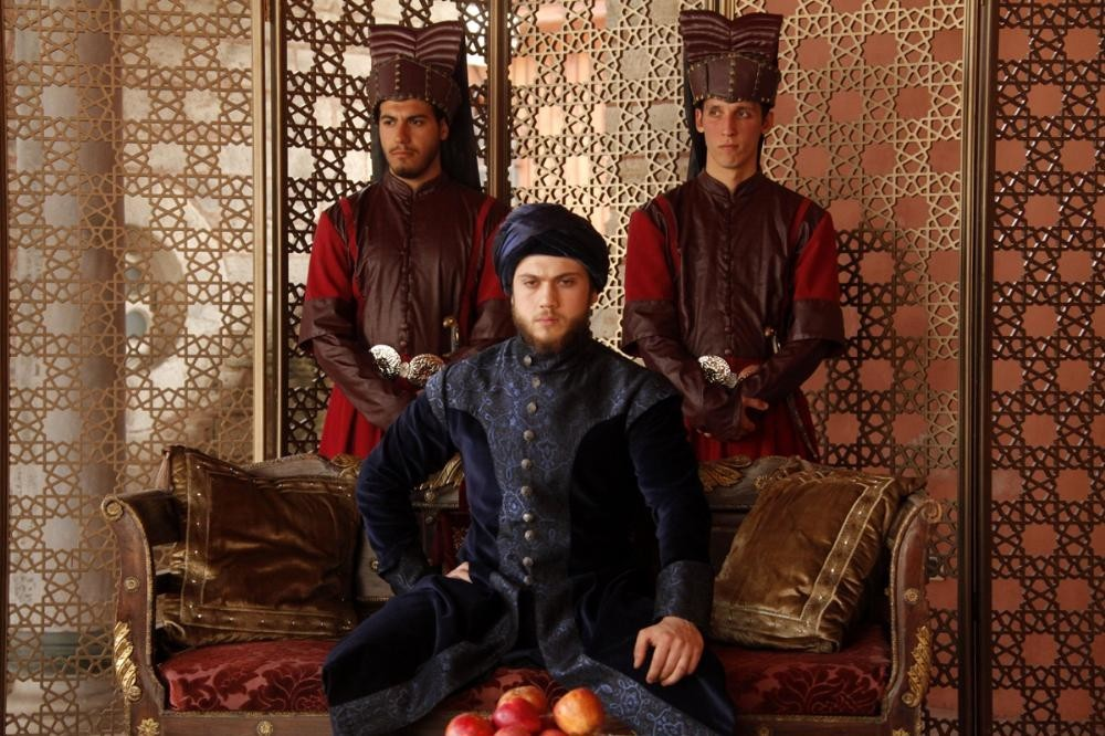 турецкая сериал мухташам юз йил