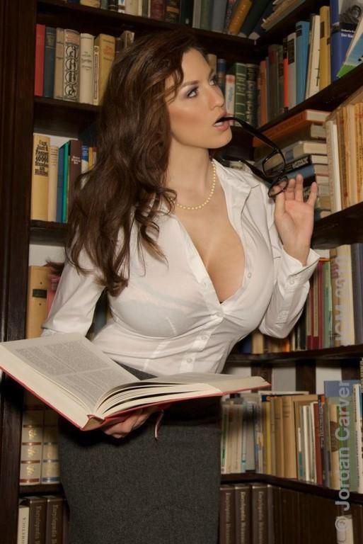 foto-krasivoy-bibliotekarshi