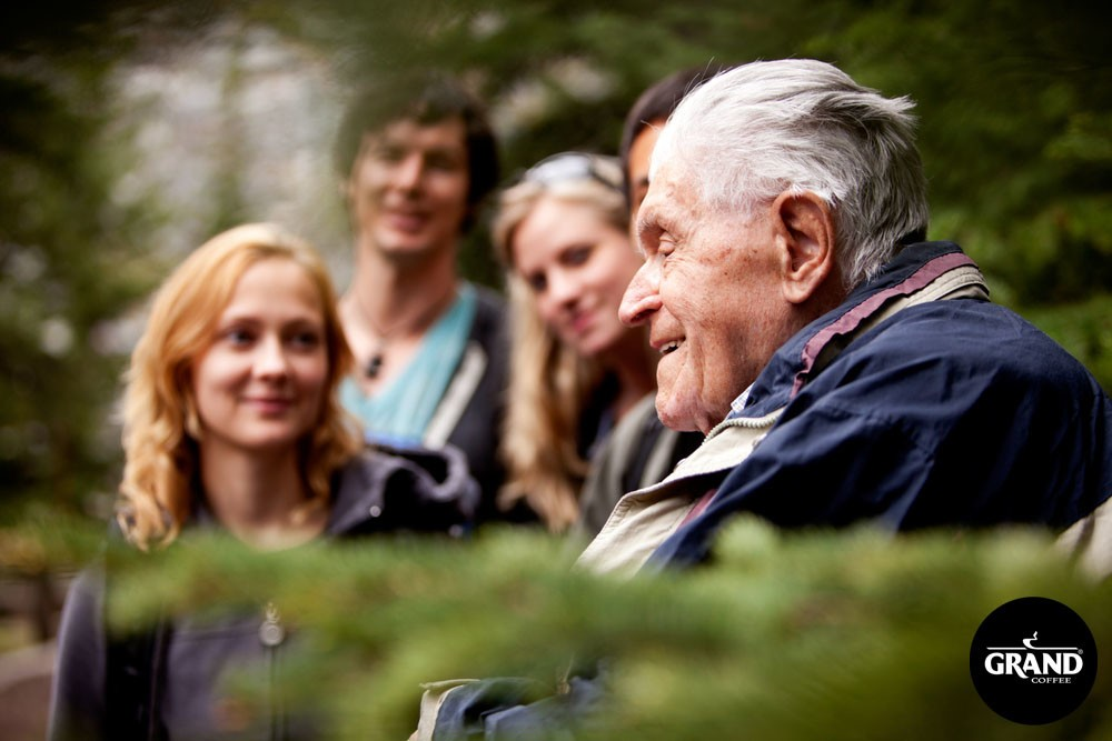 Фото молодой с пожилой