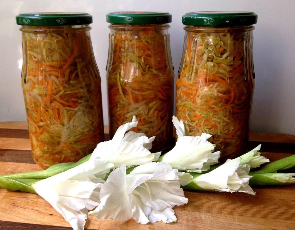 Вариантов его приготовления масса, но практически все рецепты можно разделить на те, которые готовятся с морковкой и без нее.