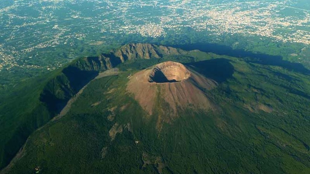an overview of the topic of the mt vesuvius Mount vesuvius is a volcano in southern italy that sat dormant for centuries that all changed on august 24, 79 ad, when a massive eruption destroyed the cities of pompeii and herculaneum, submerging them under layers of volcanic material and mud and killing thousands of people.