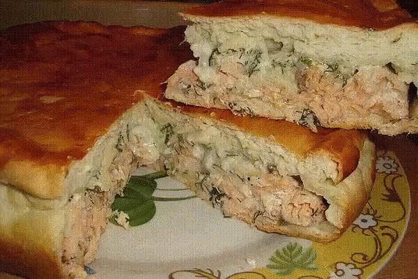 Быстрый пирог на кефире с сайрой