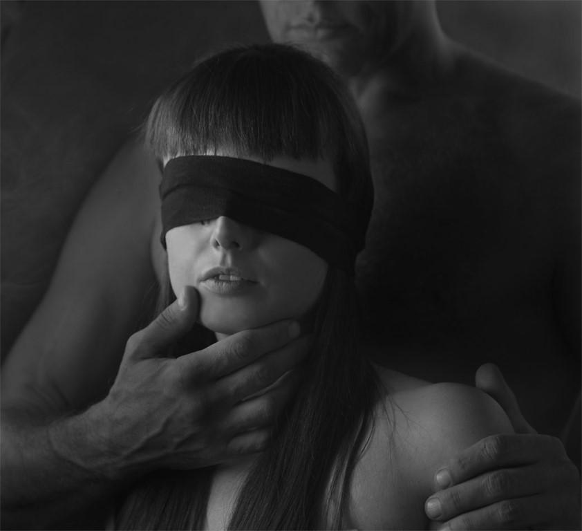 Порно девки заглатывают член