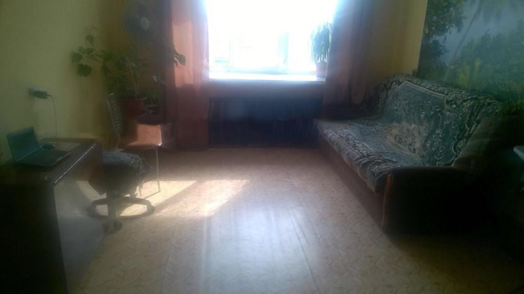 Продам однокомнатную квартиру в центре г.Тайга 32кв.м 5/5 ( 5мин ) > от вокзала, вся инфраструктура рядом.Солнечная сторона.