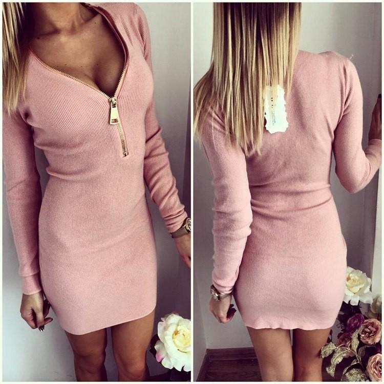 Продам платье, новое заказала через интернет магазин, оказалась маленькое, размер ХL, покупала за 2 т.р продам за 800р