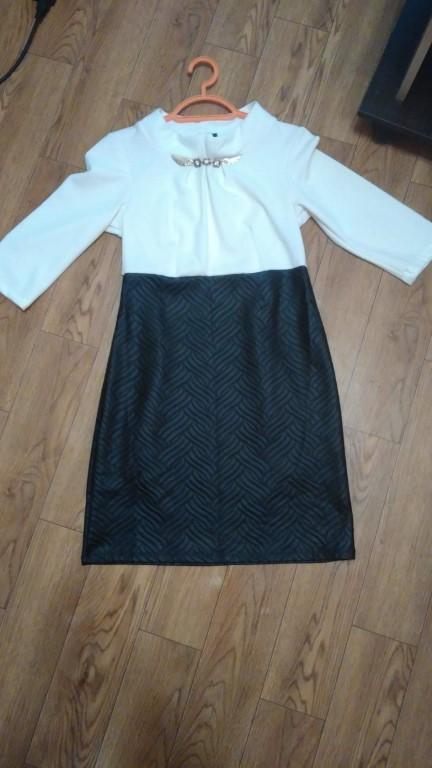 Продам чёрное платье с баской б.у.размер 48.