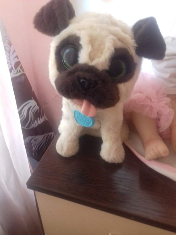 Продам интерактивную собачку фирменную цена 2700 тел 89521761749