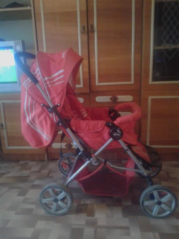 Продам прогулочную коляску в хорошем состоянии