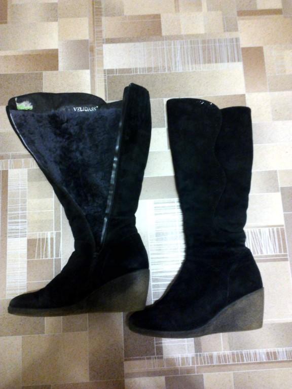 Продам женские сапоги зима, замшевые, 38 р-р, цена 300руб, тел89609762828