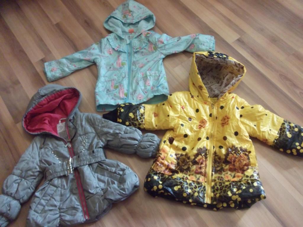 СРОЧНО ПРОДАЮ НЕДОРОГО детскую одежду  б/у Девичья и мальчуковая на возраст от 2 до 4 лет.
