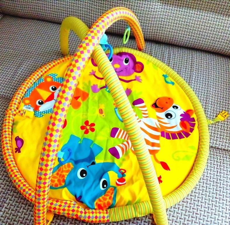Продам развивающий коврик в отличном состоянии!
