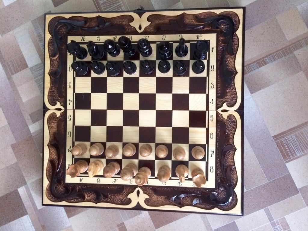 Продам эксклюзивные шахматы ручной работы в единственном экземпляре .