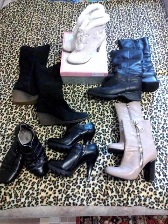 Продам обувь, кому надо фото могу скинуть отдельно с размерами, тел 89609762828