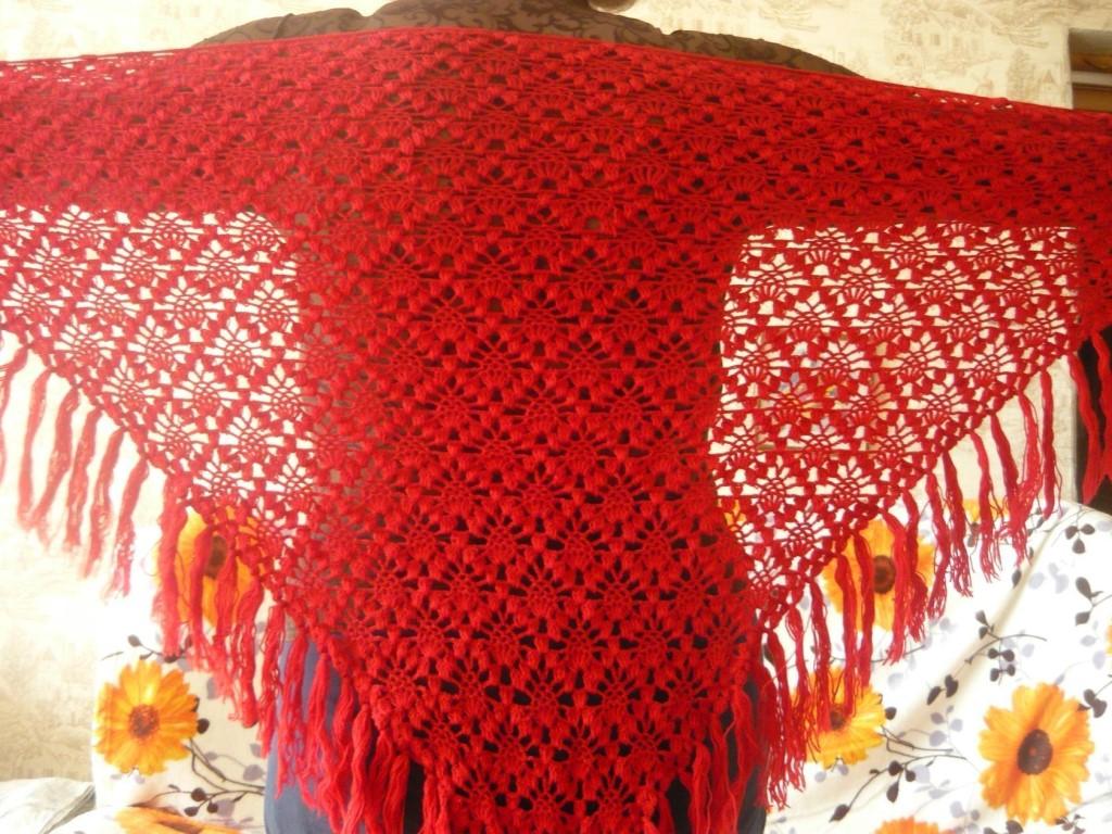 Продам шали,связаны крючком из турецкой нити,50% шерсть+50% акрил,мягкие.приятные на ощупь