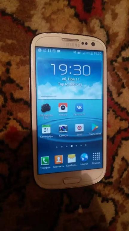 Срочно продам Samsung Galaxy S3 в хорошем состоянии