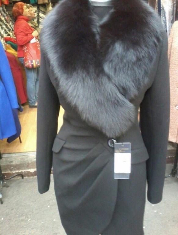 В продаже, Пальто по 7000р, есть все размеры, держит тепло до -20 .