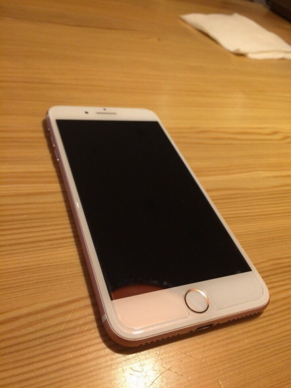 Продам iPhone 7 Plus 128 gb (розовый)