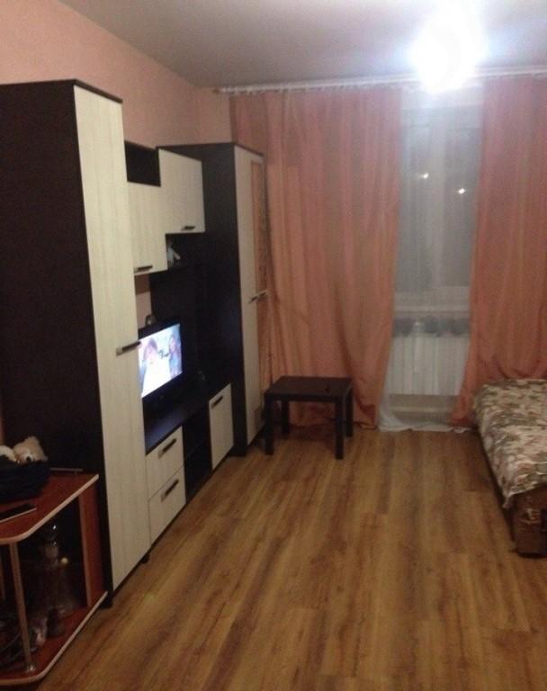 Продается просторная 1 комнатная квартира студия на 2 этаже в новом кирпичном доме.